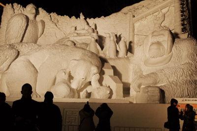 大雪像、テーマは動物園、旭山動物園は冬に行く価値あり