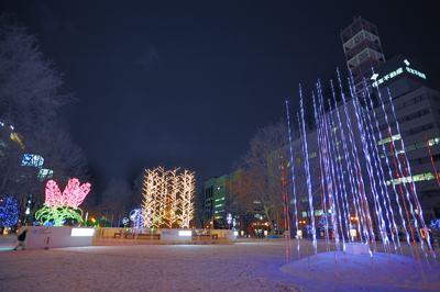 夜8時半をまわると札幌の中心部はこんなもの
