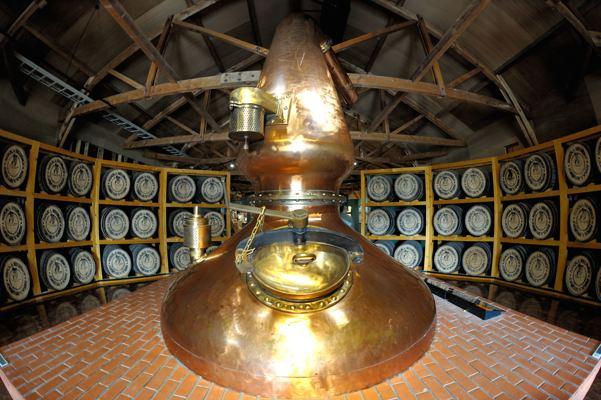 ウイスキー博物館です。蒸留器です。