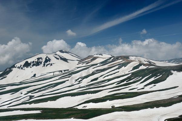 奥は北海道で一番高い 旭岳。もちろんフォトライブラリーにアップ済