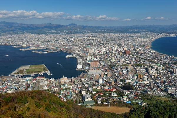 函館山から。ロープウェイが止まってました