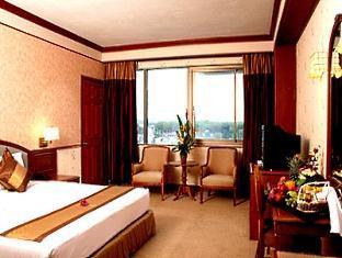 カティナ ホテル (Katina Hotel)