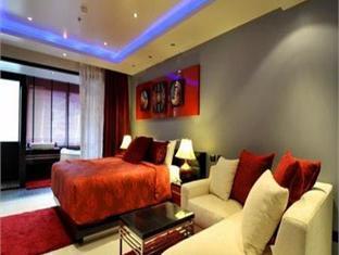 アブソルート バンラ スイーツ ホテル (Absolute Bangla Suites Hotel)