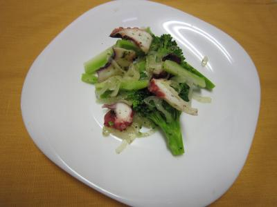 タコとブロッコリーのサラダ