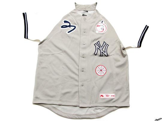 Nike-x-Futura-x-NY-Yankees-Stadium-Jacket-Jersey-07.jpg