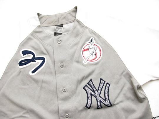 Nike-x-Futura-x-NY-Yankees-Stadium-Jacket-Jersey-08.jpg