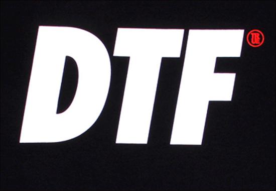 dtf_black_front_close.jpg