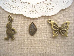 tyタキシードうさぎ、木の葉、バタフライ