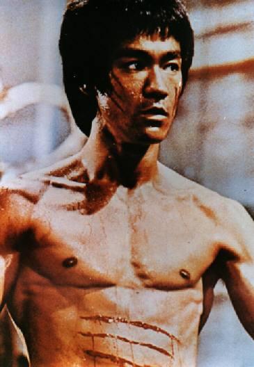 筋肉が美しいブルースリー