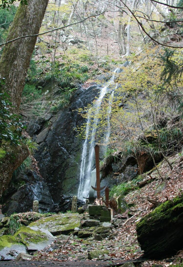 小さな滝で「大滝の名称」