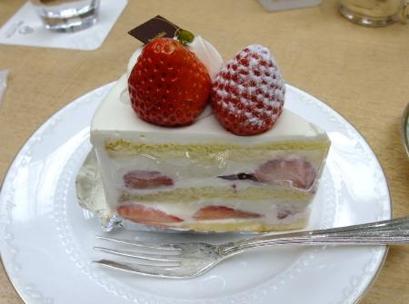 クー・オ・ミディ ケーキ1