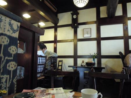 高山コーヒー店内