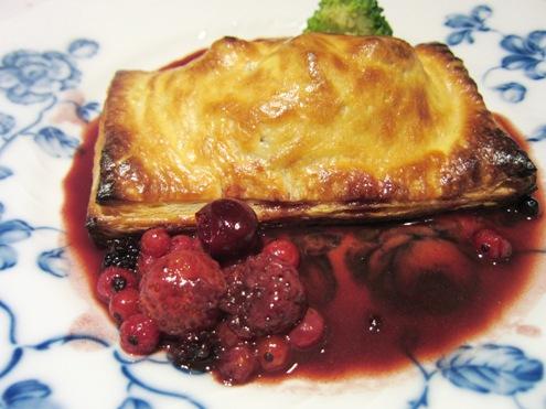 20.2)白レバーとアバのパイ包み赤ワインベリーソースですよ