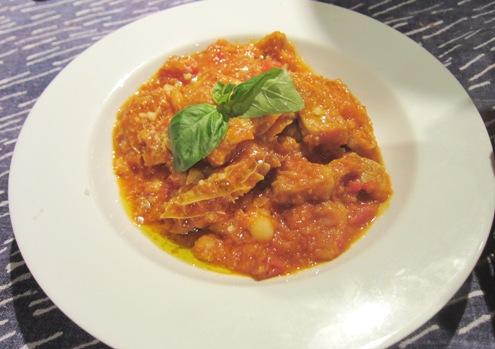 15)トリッパのトマトソース