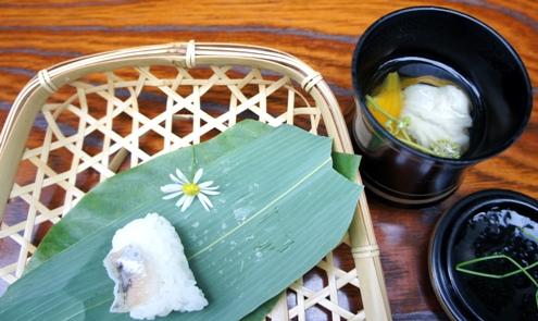 13.5)お吸い物とお寿司