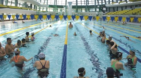 11)競泳練習中