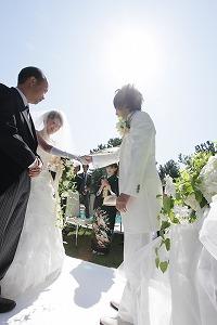 挙式 新婦父から新郎へ娘を託して