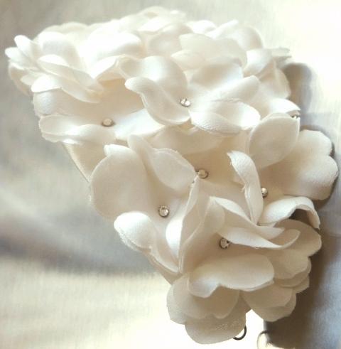 ボンネ ウェディング ちいさな花いっぱい