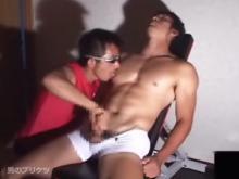 ゲイ動画:筋パイ腹筋マッチョな男達