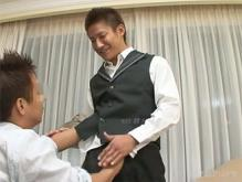 ゲイ動画:盛筋気まぐれホテルマンいいじゃないか !!