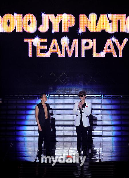 101224-JYP NATION TEAMPLAY concert-02