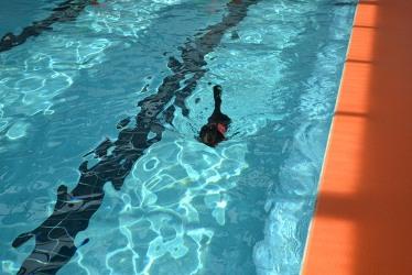 【つんと】泳ぐ2