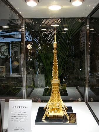 純金製東京タワー@諏訪
