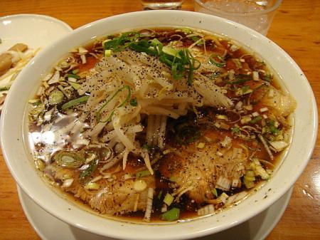 漆黒の叉焼麺@すずらん