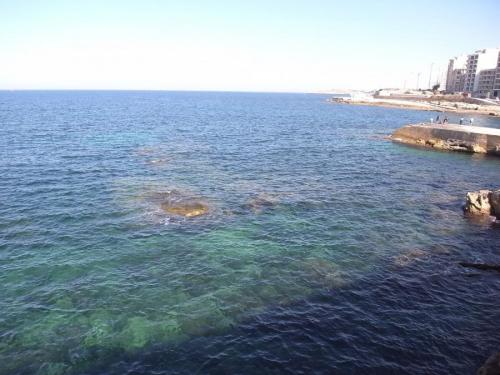 スリーマの海