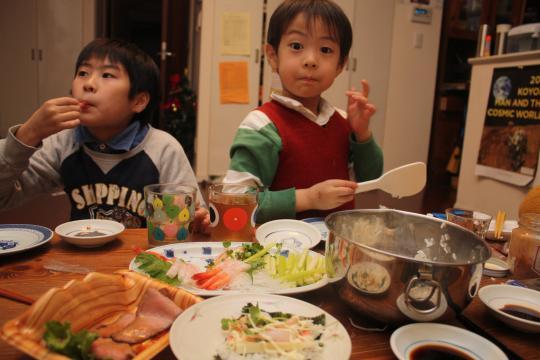 家族で手巻き寿司