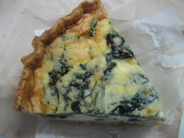 季節のキッシュ(ほうれん草とリこったチーズ)