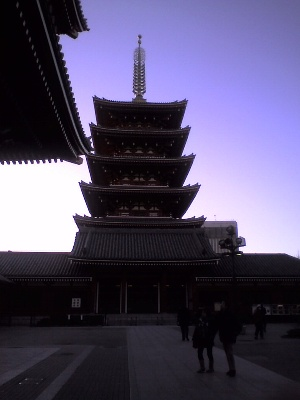 2010126浅草五重塔