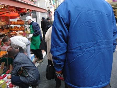 7今日は商店街での歩行訓練です(うそ).JPG