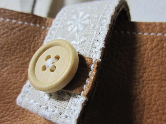 テープとボタン