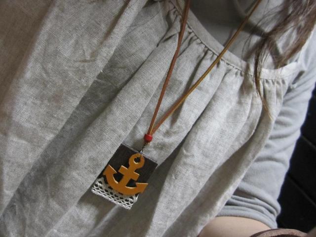 木のネックレス1着画