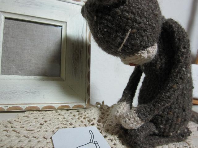 見つめる編みねこJr.1