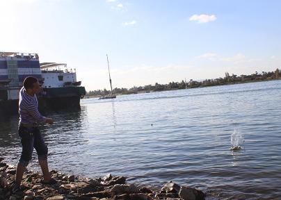 川沿い遊び