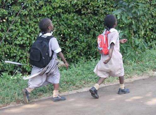 家路を急ぐ子たち