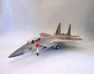 F-15を斜め前から見たところ