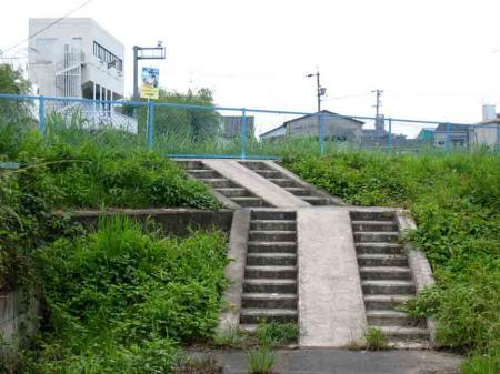 西区の二段階段