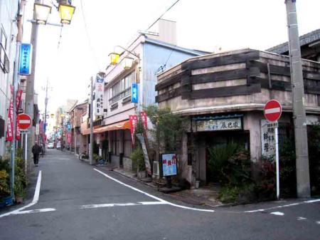 中村日赤付近 角の古いお店