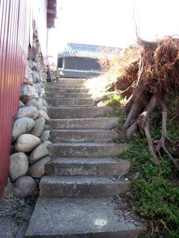 水分橋 家横の急階段坂2