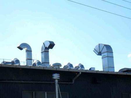 守山区瀬古付近 工場の煙突恐竜