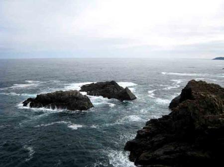 大船渡の海と岩