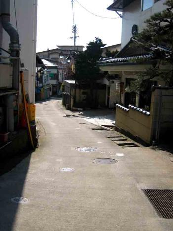野沢温泉の坂道2