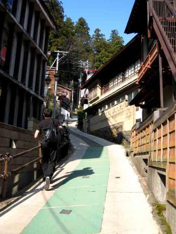 野沢温泉の坂道4