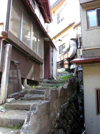 野沢温泉の坂道(石段)