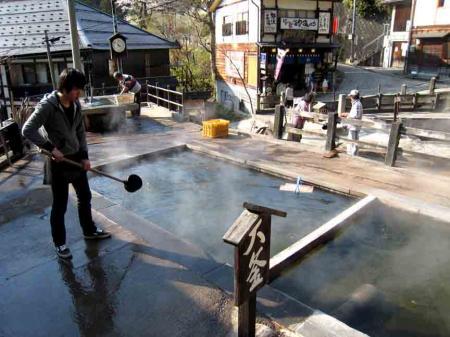 野沢温泉のお湯