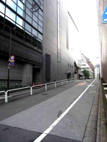 東京FM横の坂