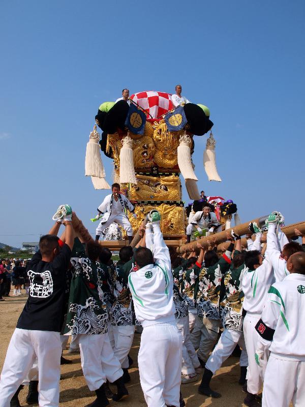 土居秋祭り 関川河川敷 中村太鼓台